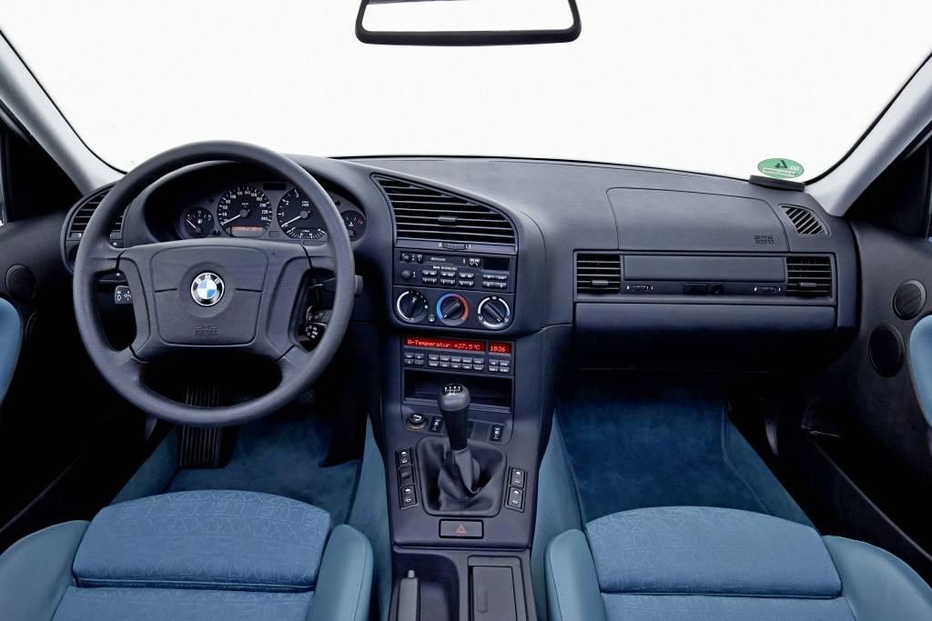 รถยนต์ BMW 1